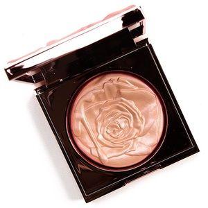 SMASHBOX VLADA PETAL METAL GILDED ROSE HIGHLIGHTER